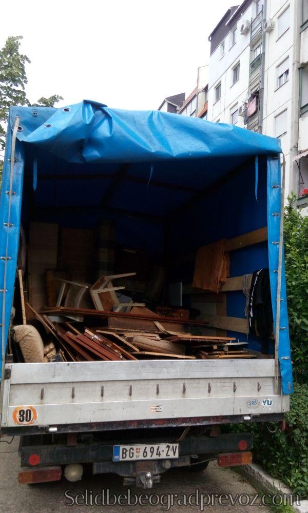 Odvoz starih stvari na deponiju