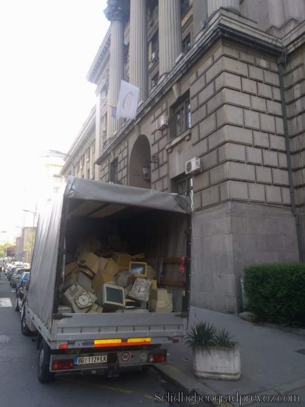 Transport Elektronskog Odpada na Deponiju
